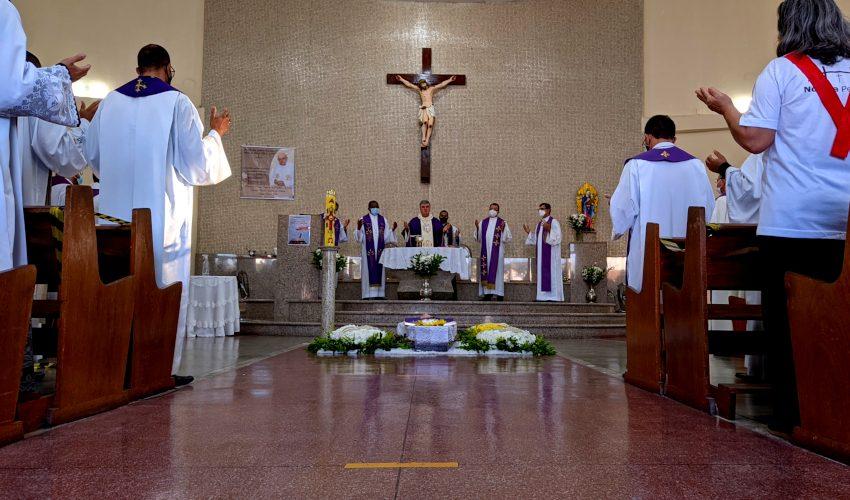 Missa Exequial Padre Léo Denis